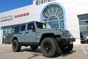 2014 Jeep Wrangler Unlimited Sahara *4