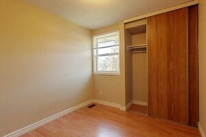 Rooms for rent! Great for young professionals! 1 MONTH FREEEEEEE Kitchener / Waterloo Kitchener Area image 11
