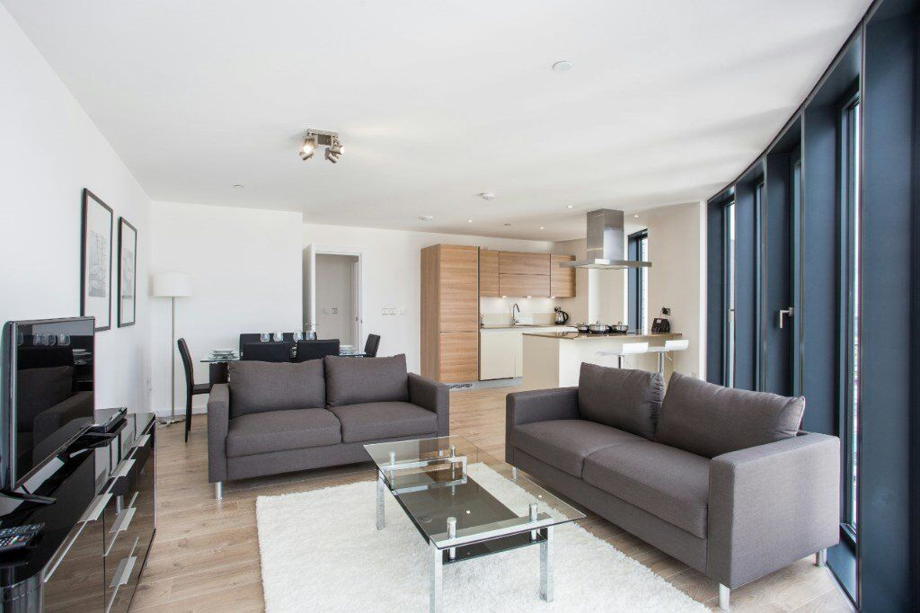 LUXURY 3 BED 2 BATH STRATFORD PLAZA UNEX TOWER E15 BOW CHURCH ROAD BROMLEY PUDDING MILL LANE
