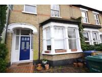 3 bedroom house in Richmond Road, East Finchley, N2