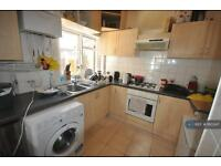 4 bedroom house in Leighton Road, London / Hanwell / Northfields / Ealing, W13 (4 bed)