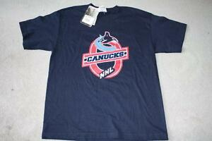 BRAND NEW - VANCOUVER CANUCKS T-SHIRT - YOUTH M OR L