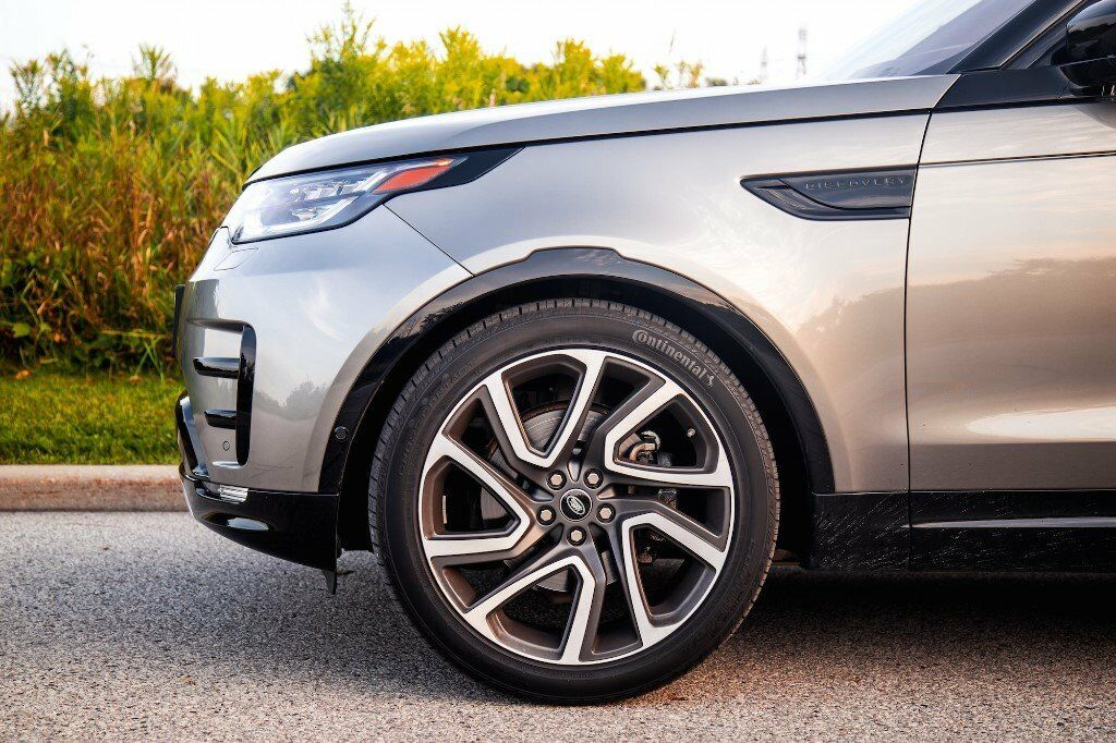 Near New Land Rover Discovery 5 Set Of 5 Alloy Wheels