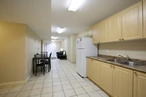 Beautiful 5-bed Apts. - Wifi & AC Included! CALL TODAY! Kitchener / Waterloo Kitchener Area image 8