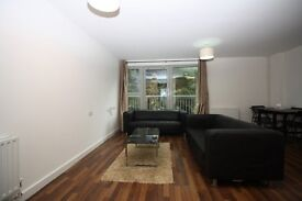 WELL SIZED 2 BED APARTMENT, GREAT DLR LINKS! E16- TG