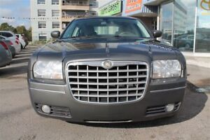 2009 Chrysler 300 Touring, LEATHER, CARPROOF IS CLEAN