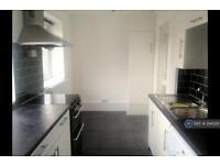 2 bedroom flat in Highbury, London, N5 (2 bed)