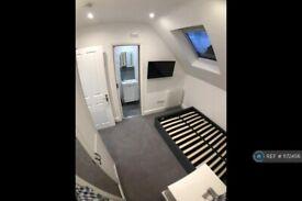 1 bedroom in Merton Road, Southfields, SW18 (#1172456)