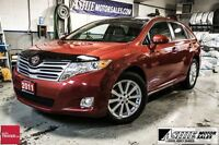 2011 Toyota Venza AWD! LEATHER! SUNROOF!