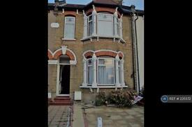 4 bedroom house in High Street, London, EN3 (4 bed)