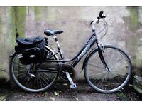 RALEIGH PIONEER METRO LX. 15 inch, 38 cm. Ladies women's hybrid road bike, 18 speed