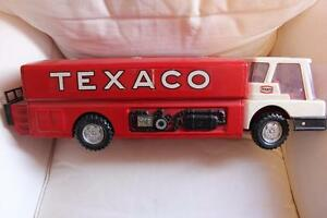1960s Texaco Jet Fuel Oil Tanker Vintage Tin Toy - Excellent Condition