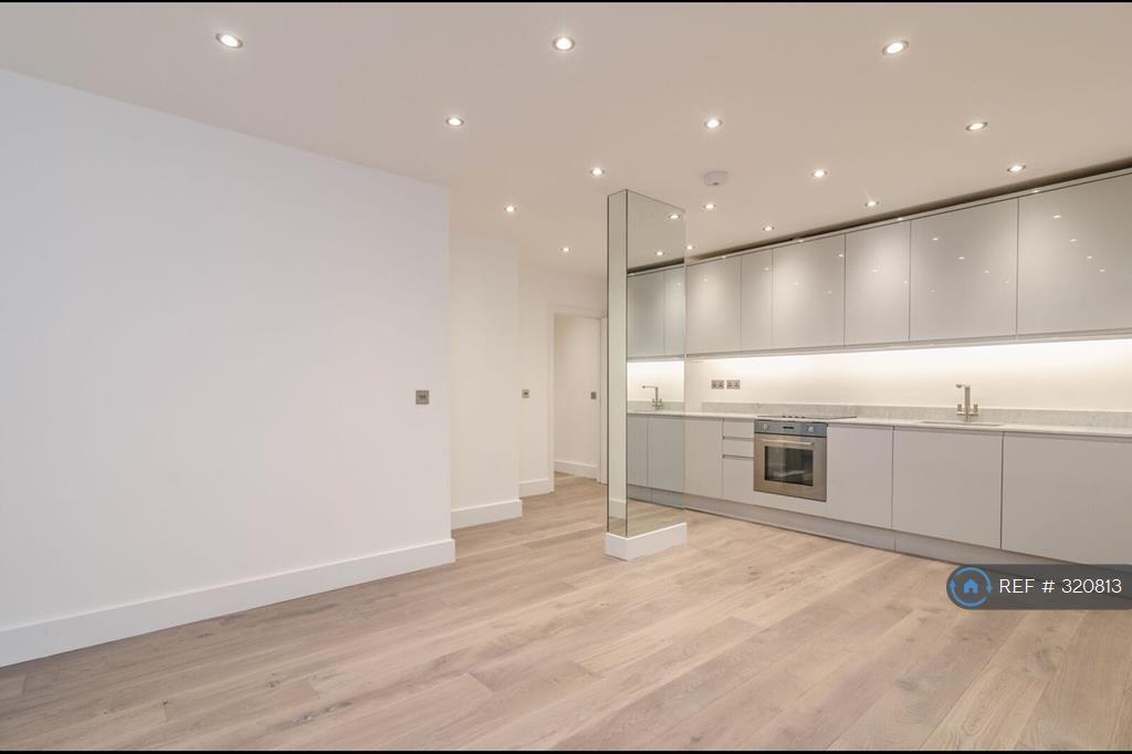 2 bedroom flat in One Pepys Street, London,