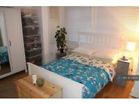 1 bedroom flat in Cleveleys Road, London, E5 (1 bed)