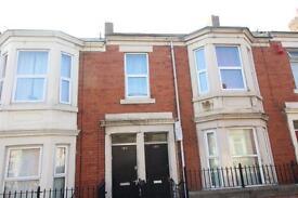 2 bedroom flat in Hamstead Road, Benwell