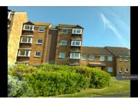 2 bedroom flat in Lake Drive, Peacehaven, BN10 (2 bed)