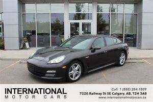2011 Porsche Panamera 4 AWD! LOW KMS! HIGHLY OPTIONED!