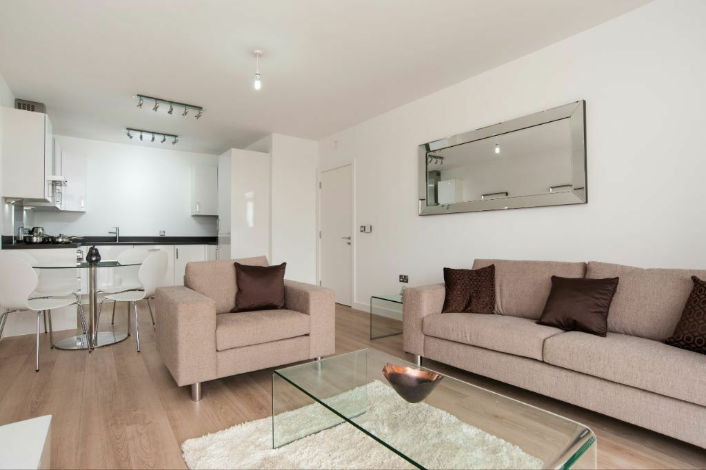 Luxury 2 BED HALLSVILLE QUARTER CANNING TOWN E16 ROYAL VICTORIA CANARY WHARF EXCEL STAR