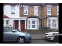 4 bedroom house in Troughton Road, Charlton, SE7 (4 bed)