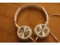 Sony MDR-ZX300 Headband Headphones - White On Ear Headphones Adjustable Headband Used