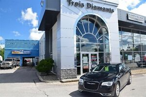 2015 Chrysler 300 4dr Sdn Touring RWD