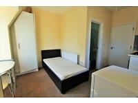 1 bedroom flat in Boleyn Road (Flat D), Stoke Newington