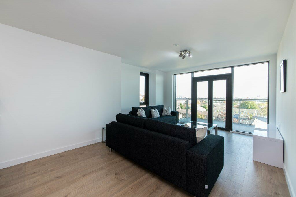 BRAND NEW DESIGNER FURNISHED 3 BED 2 BATH APARTMENT THE VIBE DALSTON E8 SHOREDITCH ANGEL THE CITY