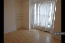 1 bedroom flat in Flaxman Road, Brixton, Herne Hill, Camberwell, Denmark Hill, SE5 (1 bed)