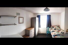 1 bedroom in Barnfield Rd, Crawley, RH10 (#1210604)