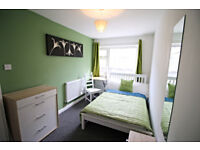 Oldham, 2 doubles 346 each, all bills and wifi incl, dep 200,no couples