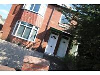 3 bedroom flat in Newlands Road, Jesmond