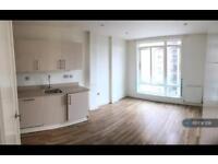 1 bedroom flat in Scriven Street, London, E8 (1 bed)