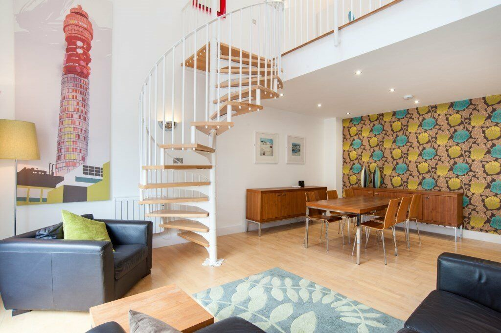 VACANT! STUNING 3 BED 3 BATH APARTMENT HOLLOWAY ROAD N7, FULLY FURNISHED SPLIT LEVEL WITH A TERRACE