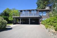 3 Bedroom With Panoramic Lake Views in Peachland!
