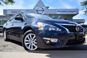 2013 Nissan Altima 2.5 S *Low KM, Bluetooth*