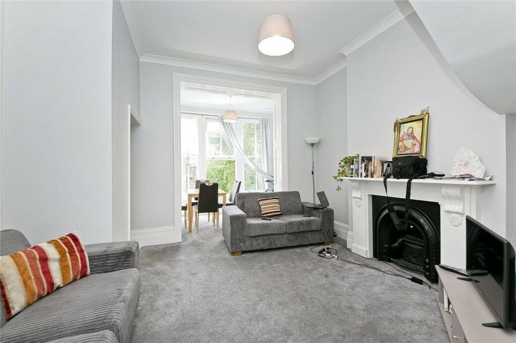 STUNNING 4 DOUBLE BEDROOM MAISONETTE EQUIDISTANT FROM TUFNELL PARK, HOLLOWAY, CALE ROAD & CAMDEN