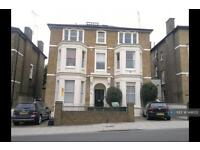 2 bedroom flat in Church Road, Richmond, TW10 (2 bed)