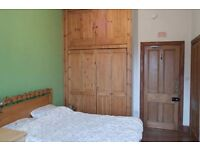 Large Double Bedroom in 3 Bed Flat, King Street (AB24)