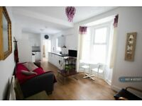 5 bedroom house in Jessie Road, Southsea, PO4 (5 bed) (#957207)
