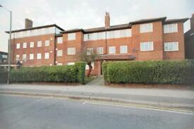 2 bedroom flat in Hendon Park Mansions, Queens Road, Hendon, NW4