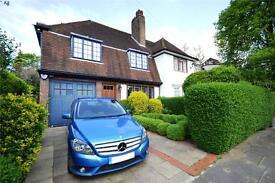 5 bedroom house in Widecombe Way, London, N2