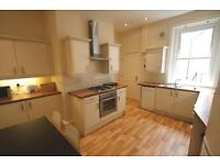 4 bedroom flat in Jesmond Road, Jesmond, Newcastle Upon Tyne, NE2