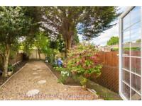 3 bedroom house in Worcester Road, Walthamstow, E17