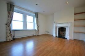 2 bedroom flat in Stapleton Hall Road, Stroud Green, N4