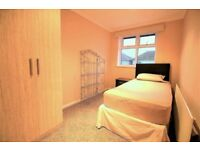 *** SINGLE ROOM AVAILABLE TO RENT IN PROFESSIONAL HOUSE SHARE!!! - £425 INC BILLS ***