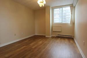Small 1 bedroom-$645- Côte St-Luc -Cavendish -Loyola Campus