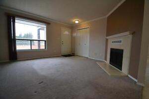 Two Bedroom Main Floor Unit In Lakewood