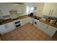 6 bedroom house in Dogfield Street, Cathays, Cardiff