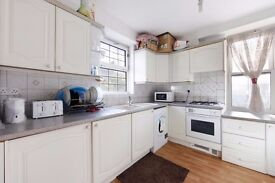 3 X DOUBLE ROOMS TO LET IN DEPTFORD AREA NEAR GREENWICH UNIVERSITY, DEPTFORD HIGH STREET. NONSMOKERS