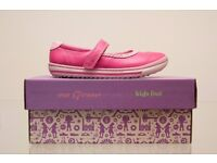 """New """"EPSIE PLAY INF""""Clark's Girls ROSE Leather Shoes size UK 11 F"""